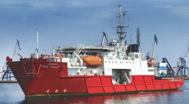 Diving vessels